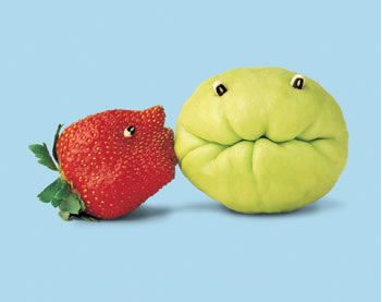 strawberry kissing